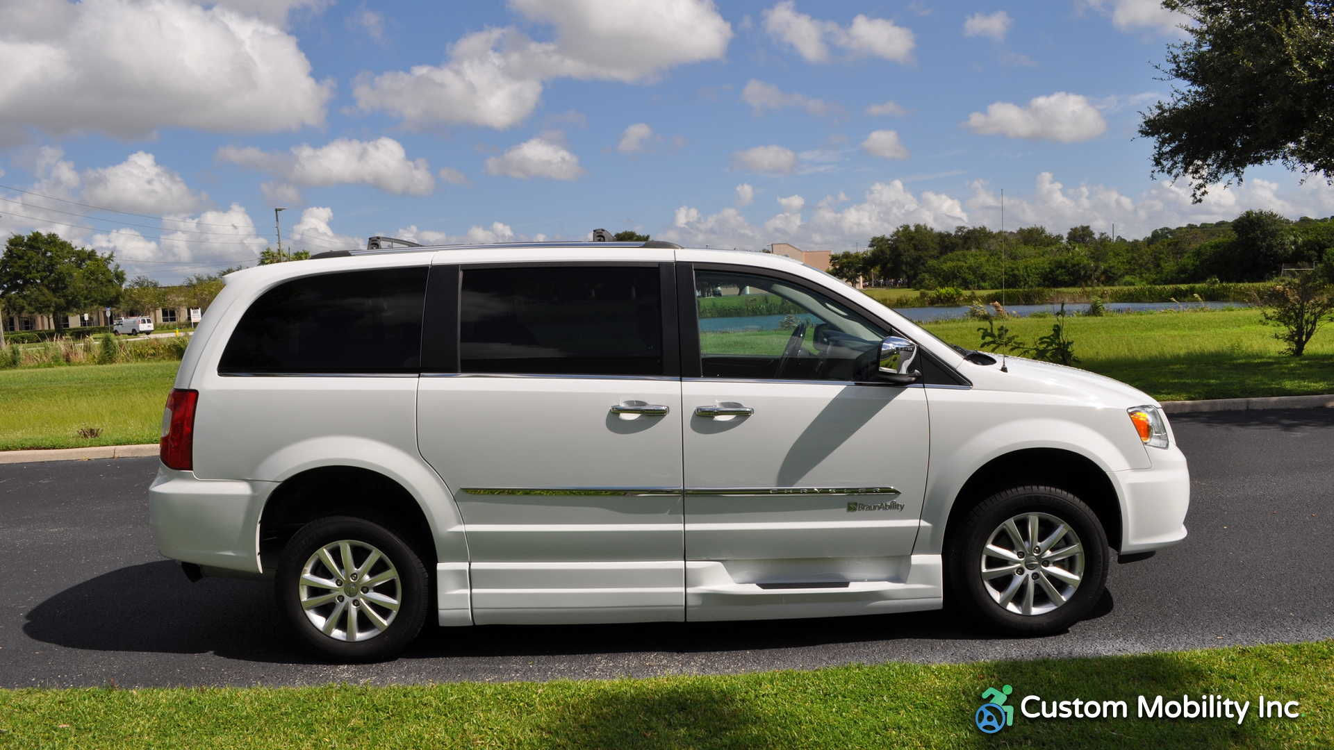 2016 chrysler town and country stock gr283284 wheelchair van for sale custom mobility of. Black Bedroom Furniture Sets. Home Design Ideas