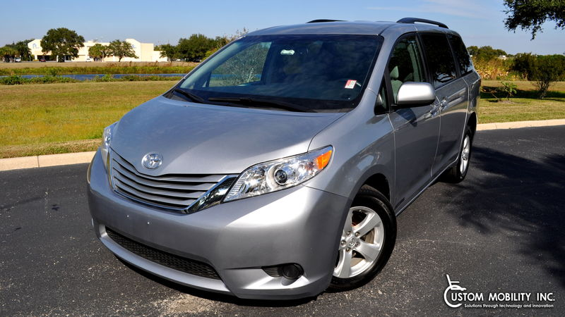 Used 2017 Toyota Sienna.  ConversionFreedom Motors Manual Toyota Rear Entry