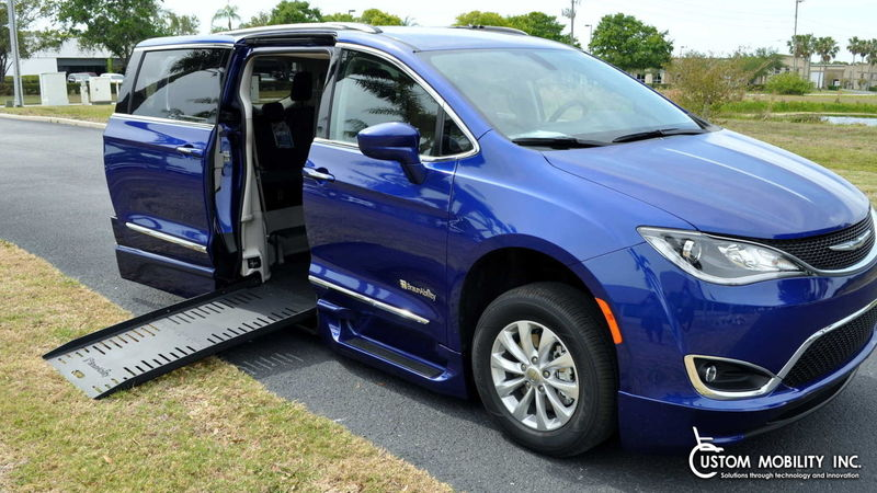 New 2018 Chrysler Pacifica.  ConversionBraunAbility BraunAbility Pacifica Foldout XT