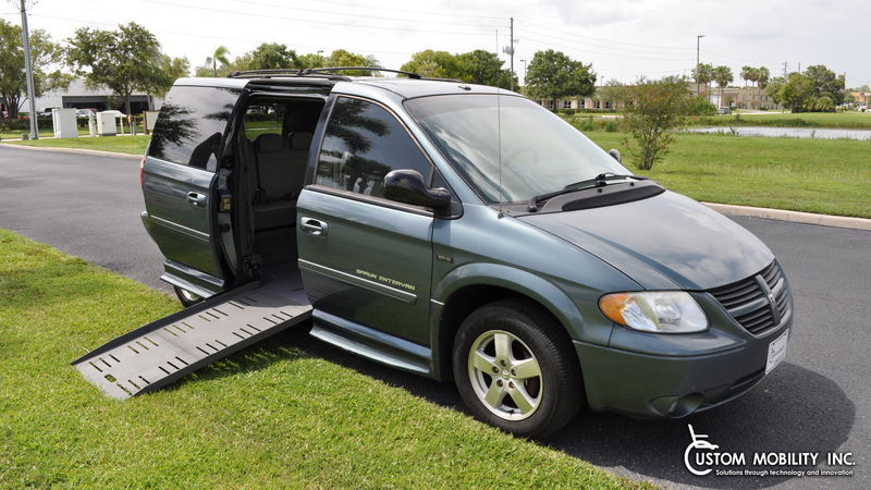 2007 Dodge Grand Caravan BraunAbility Dodge Entervan II wheelchair van for sale